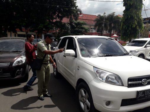 Pengunjung Pemkot Bandar Lampung Akan Diberi Kartu Parkir, Tarifnya Berapa Ya?
