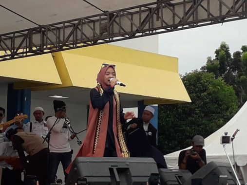 Sabyan Gambus Meriahkan Kampanye Prabowo-Sandi di PKOR Way Halim