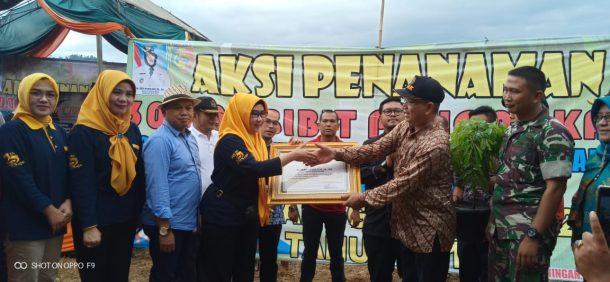 Advertorial: Tanam 30 Ribu Batang Akasia, Pemkab Tanggamus Pecahkan Rekor MURI