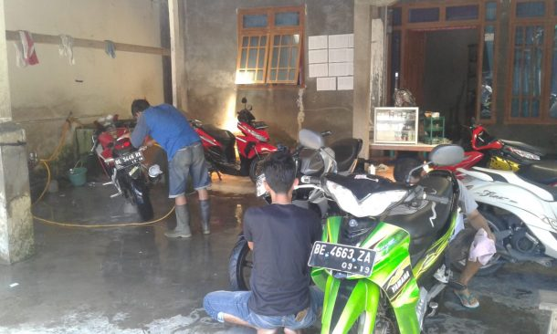 Usaha Pencucian Motor Merdeka di Kotaagung Tanggamus Berkembang Pesat