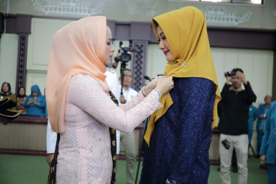 Yustin Ficardo Lantik Endah Kartika Prajawati Ketua Dekranasda Lampung Utara