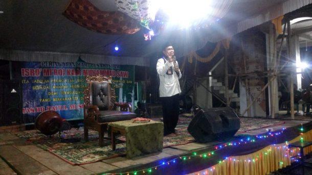 Ahmad Mufti Salim Ceramah Isra Mikraj di Masjid Baitul Muslimin Dusun 5 Kampung Oetama Seputihraman Lampung Tengah