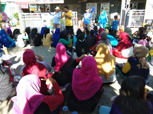 Agus Widodo Senam Bareng Seratusan Emak-Emak di Tanjungseneng