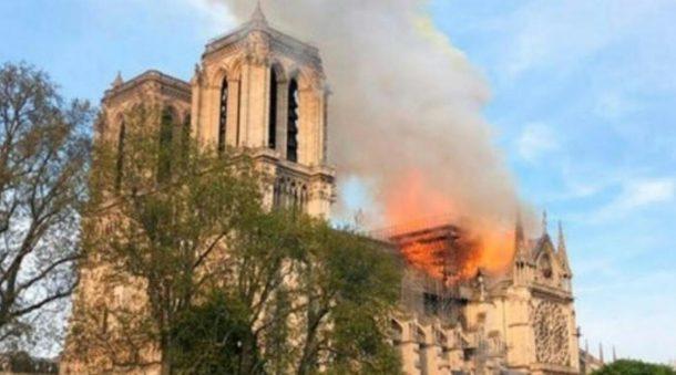 Katedral Notre-Dame Terbakar, Pemimpin Dunia Bersedih
