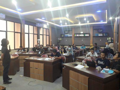 AJI Bandar Lampung Hadirkan Wartawan Tempo Isi Kursus Jurnalisme Investigasi