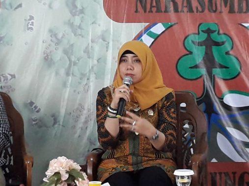 Diskusi Publik UKM Maharipal UIN Lampung, Ini Paparan Anggota Komisi 3 DPRD Bandar Lampung Erika Novalia Sani