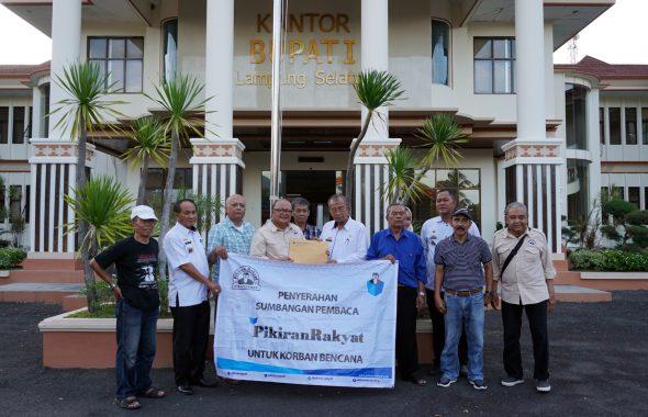 Pembaca Pikiran Rakyat Beri Bantuan Rp188 Juta untuk Korban Tsunami Lampung Selatan