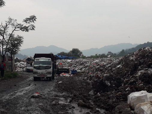 Volume Sampah di Tempat Pembuangan Akhir Bakung Selama Ramadan Naik 20 Persen
