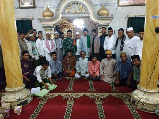 Forum Takmir Masjid Se-Panjang dan Pengurus Nurul Taqwa Pidada Santuni Anak Yatim