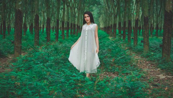 Model Lampung Lily: Tak Ada Hutan, Kebon Karet pun Jadi