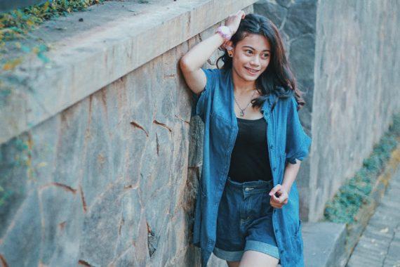 Model Lampung Dina: Dari Atlet Lari ke Dunia Fotografi