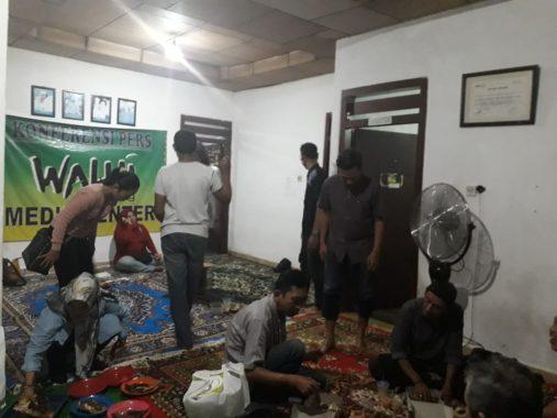 Walhi Lampung Gelar Buka Puasa Bersama, Hendrawan Pamitan