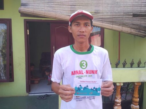 PUASA DUAFA: Tomi Tetap Puasa Meski Kerja Bangunan Selama Ramadan