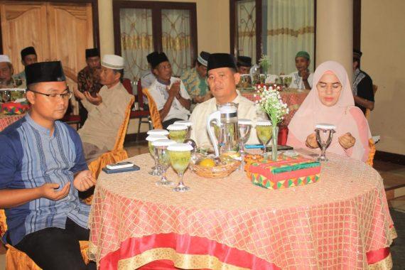 Wakil Bupati Tanggamus AM Syafii Gelar Buka Puasa Bersama dengan Warga di Pekon Margodadi Sumberejo