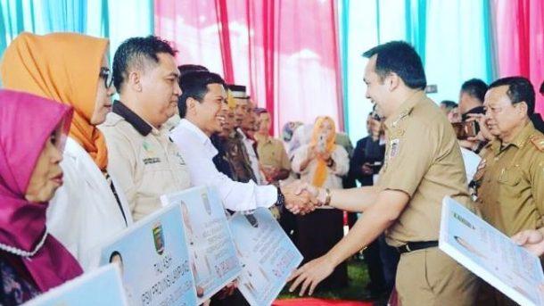 Pemprov Lampung-Jejamo.com Berbagi: Bingkisan Lebaran Diserahkan di Musala Sa'adatul Iman Kaliawi