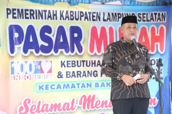 Plt Bupati Lampung Selatan Buka Pasar Murah di Bakauheni