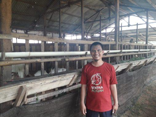 Wakil Gubernur Chusnunia Serahkan Petikan Keppres ke Ketua DPRD Lampung Timur