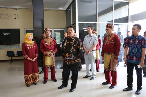 Gubernur Lampung Arinal Djunaidi Sidak Samsat