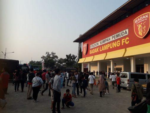 Badak Lampung FC Vs Bali United, Stadion Sumpah Pemuda PKOR Way Halim Penuh Sesak