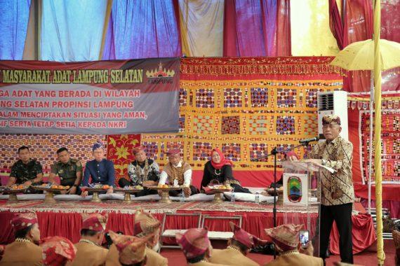 Halalbihalal dengan Masyarakat Adat Lampung Selatan, Menteri Pertahanan Ryamizard Ryacudu Minta Jaga Keberagaman
