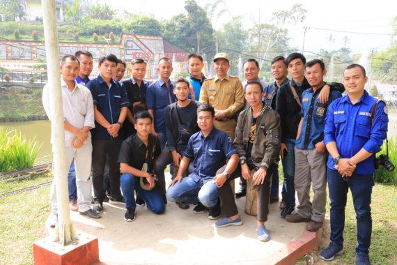 Bupati Lampung Barat Ngopi Bareng Wartawan