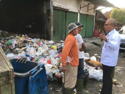 Sekda Tanggamus Hamid Lubis Sidak Pasar Kotaagung dan Dinas Pariwisata