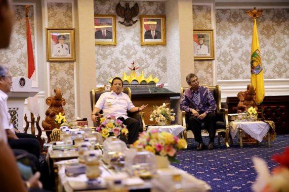 Plt Bupati Lampung Selatan Hadiahkan Umrah untuk 3Anggota Bhabinkamtibmas