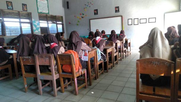 Pemimpin Redaksi Jejamo.com Adian Saputra Narasumber Pelatihan Jurnalistik SMK Bumi Nusantara Wonosobo Tanggamus