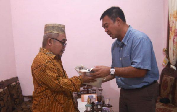 Rycko Menoza Silaturahmi kepada Ketua MUI Lampung KH Khairuddin Tahmid