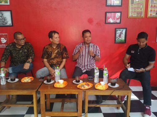 Diskusi KAMMI Bandar Lampung Soal Zonasi dan Biling, Abdurrahman Cek Persiapan Istri Mengajar
