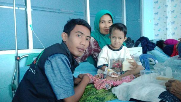 ACT Lampung Dampingi Fahri Bocah yang Lahir tanpa Anus