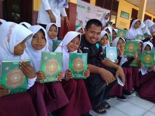 Laznas Yakesma dan LAZDAI Serahkan 800 Alquran di Lampung Selatan