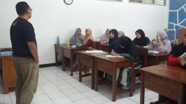 Pemimpin Redaksi Jejamo.com Adian Saputra Narasumber Jurnalistik di SMA Islam Terpadu Daarul Ilmi