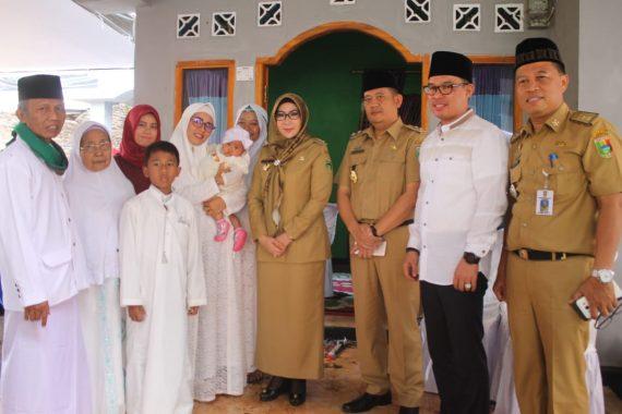 Bupati Dewi Handajani Doakan Calon Haji Asal Tanggamus Mabrur
