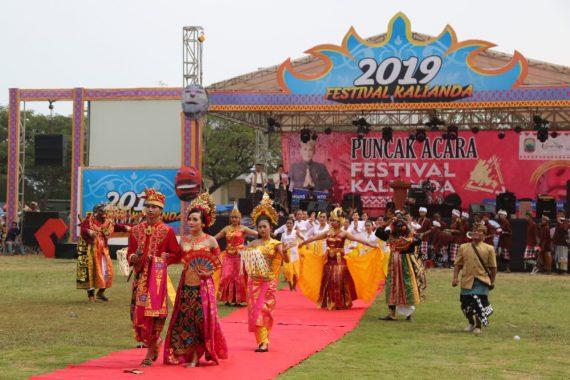 Pawai Budaya Nusantara Semarakkan Puncak Festival Kalianda Tahun 2019