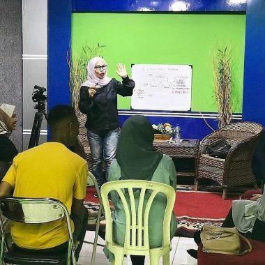 Presenter Beken Lampung Yudith Samantha Kasih Tips Buat Kamu Mahir Casciscus Ngomong Depan Orang Banyak, Baca Geh Mangkanya