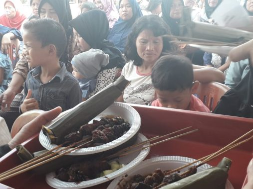 Cahyo Prabowo Serahkan Rp52,5 Juta dari Alumni SMAN 2 Bandar Lampung Tahun Lulus 1994 untuk Renovasi Masjid Nurul Hidayah