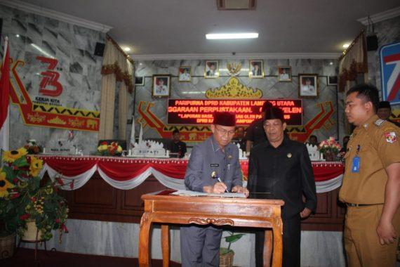 Gubernur Lampung Serahkan Dua Dokumen Raperda