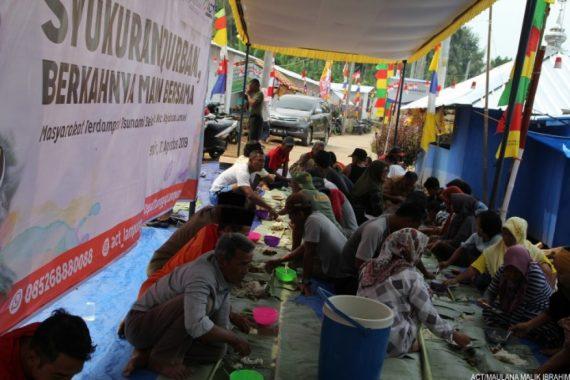 Lurah Bakung Senang Warganya Nikmati Daging Syukuran Kurban ACT Lampung