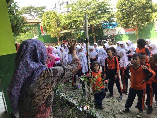 Jumatan di Masjid Al Hidayah Jalan Asahan Kelurahan Sukabumi Indah Heboh Asap dari Gudang