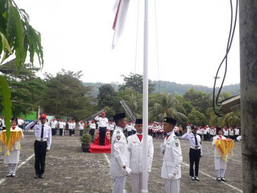 DPP Lampung Sai Gelar Upacara HUT RI di Taman Wisata Bumi Kedaton, Inspektur Upacara Rycko Menoza