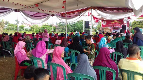 Seribuan Warga Desa Hajimena Natar Lampung Selatan Ikuti Jalan Sehat HUT RI