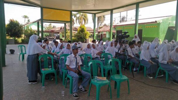 Isi Materi Jurnalistik di SMKN 1 Talangpadang Tanggamus, Pemred jejamo.com Adian Saputra Ceritakan soal Raditya Dika