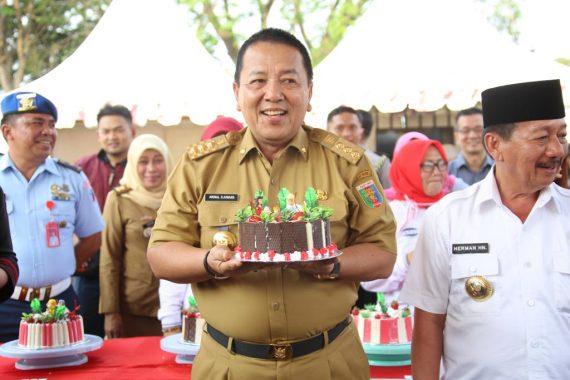 Gubernur Lampung Arinal Djunaidi Juara I Lomba Menghias Kue
