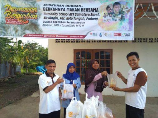 ACT Lampung Bagikan Daging Kurban ke Warga Panjang Selatan dan Kotakarang
