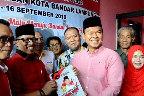 Serius Maju Pilkada Bandar Lampung, Rycko Menoza Antar Sendiri Berkas Pendaftaran ke PDIP