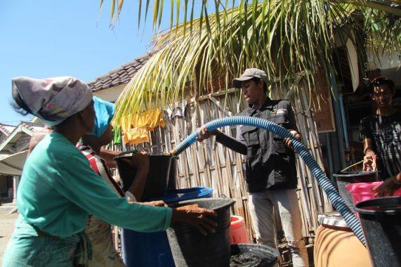 Puluhan Hari Kekeringan, Warga Lombok Bersuka Cita Sambut Air Bersih ACT