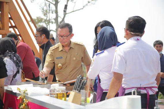Bupati Tanggamus Dewi Handajani Luncurkan Tahun Investasi