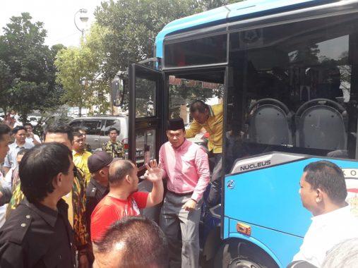 Rycko Menoza Serahkan Formulir Bakal Calon Wali Kota Bandar Lampung ke PDIP, Tiga Bus Dikerahkan Angkut Pendukung