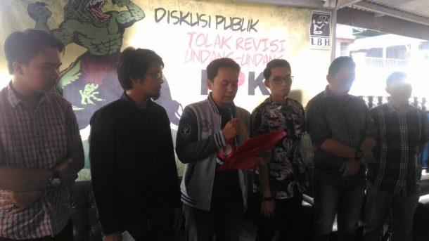 Tolak Revisi UU KPK, Aliansi Masyarakat Lampung Kumpulkan Heaset Rusak untuk Telinga Tuli Anggota DPR